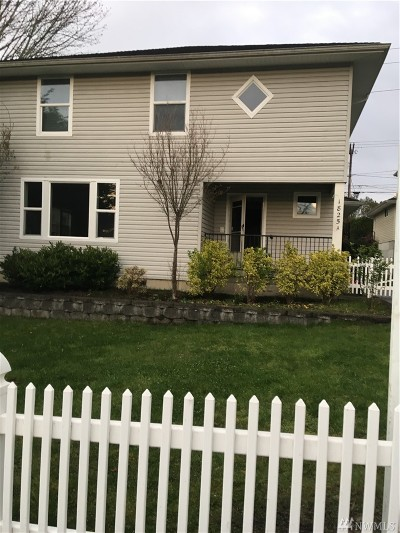 Everett Condo/Townhouse For Sale: 1825 Walnut St #A