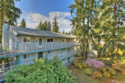 Lynnwood Condo/Townhouse For Sale: 5810 200th St SW #C
