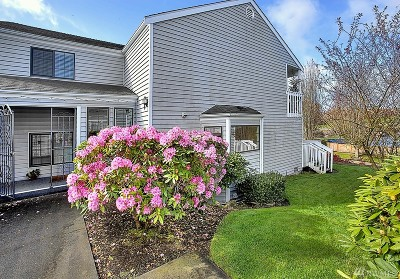 Tacoma Condo/Townhouse For Sale: 2801 N Narrows Dr #D4