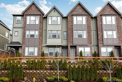 Everett Condo/Townhouse For Sale: 2022 113th Place SE