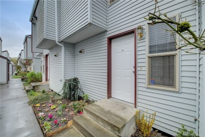 King County Condo/Townhouse For Sale: 712 W Waterman St #D104