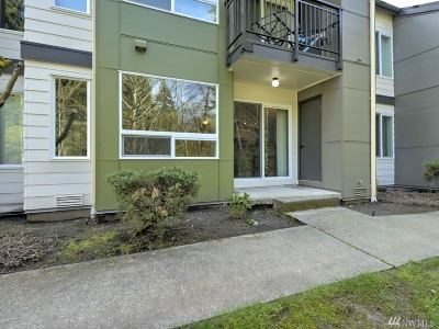 Federal Way Condo/Townhouse For Sale: 31500 33rd Place SW #J-102