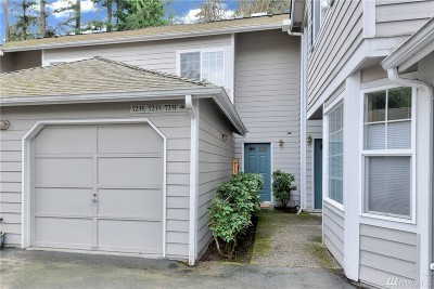 Kenmore Condo/Townhouse For Sale: 7235 NE 171st Lane