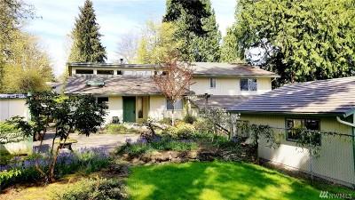 Single Family Home For Sale: 4301 W Lake Sammamish Pkwy NE
