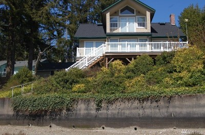 Olympia Single Family Home For Sale: 2540 Gravelly Beach Lp NW