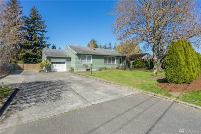 Bellingham Single Family Home For Sale: 2977 Plymouth Dr