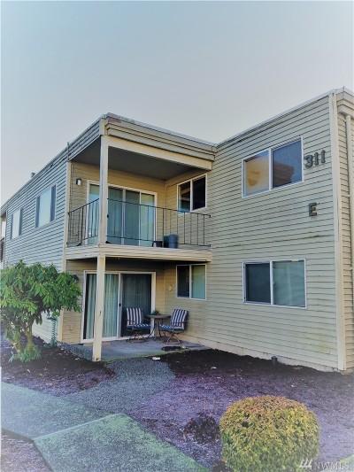 Everett Condo/Townhouse For Sale: 311 128th St SE #E109