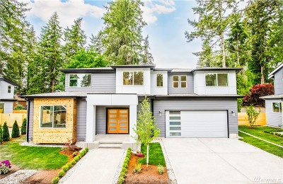 Renton Single Family Home For Sale: 715 Newport Ct NE