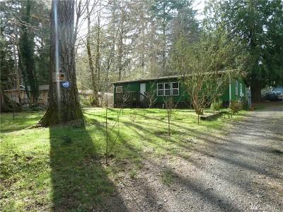 Shelton Single Family Home Pending: 541 E Lakeshore Dr W