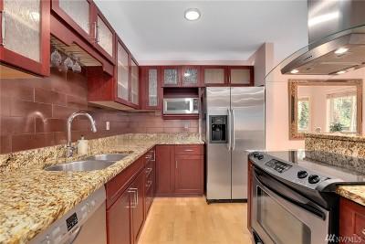 Bellevue Condo/Townhouse For Sale: 11052 NE 33rd Place #A7