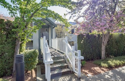 Bellevue Condo/Townhouse For Sale: 12740 NE 10th Place #E-204