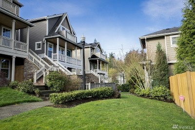 Woodinville Condo/Townhouse For Sale: 12402 NE 172nd Ct