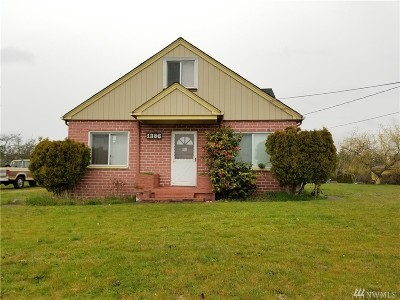Oak Harbor Single Family Home For Sale: 1386 E Whidbey Ave