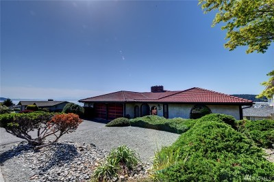Anacortes Single Family Home For Sale: 4911 Heather Dr