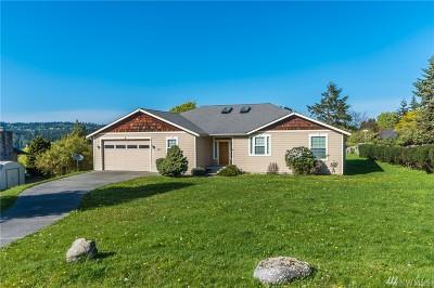 Oak Harbor Single Family Home For Sale: 493 Hazelwood Dr