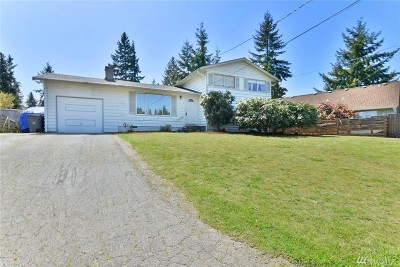 Mountlake Terrace Single Family Home For Sale: 6306 223rd Place SW