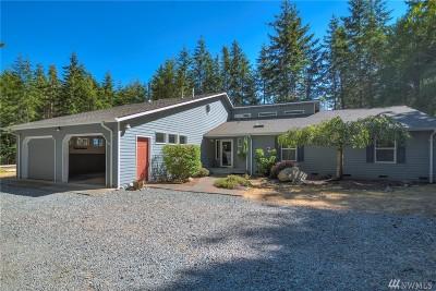 Oak Harbor Single Family Home For Sale: 811 Red Robin Lane
