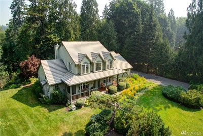Maple Valley Single Family Home Contingent: 23906 SE 241st St