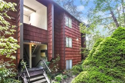 Seattle Condo/Townhouse For Sale: 2300 NE 89th St #2308