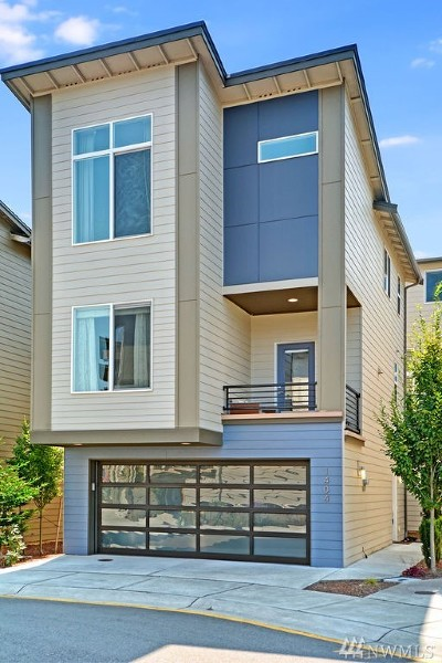 Lynnwood Condo/Townhouse For Sale: 1404 152nd Lane SW