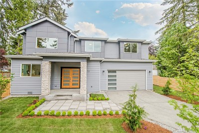 Renton Single Family Home For Sale: 721 Newport Ct NE