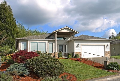 Port Orchard Single Family Home For Sale: 800 Tufts Ave E