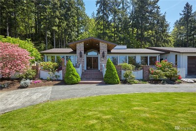Port Orchard Single Family Home For Sale: 6474 Beach Dr E