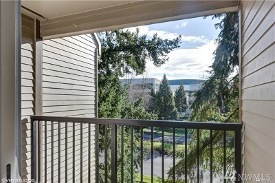 Bellevue Condo/Townhouse For Sale: 14650 NE 32 St #A-20