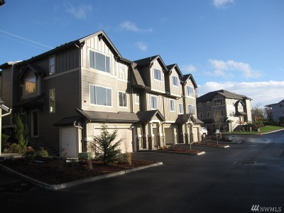 Snohomish Condo/Townhouse For Sale: 1900 Weaver Rd #L-103