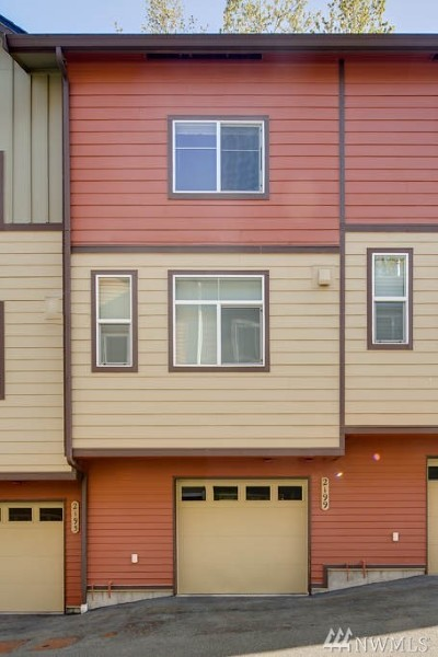 Issaquah Condo/Townhouse For Sale: 2199 NW Moraine Place