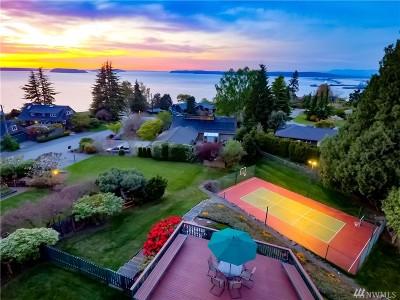 Everett Single Family Home For Sale: 607 View Ridge Dr