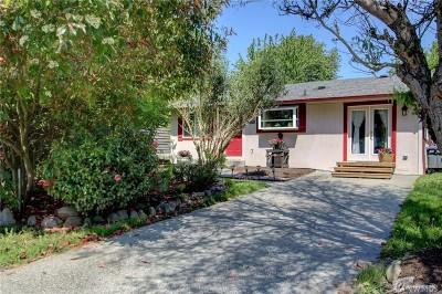 Burlington Single Family Home Pending Inspection: 1115 Shuler Ave
