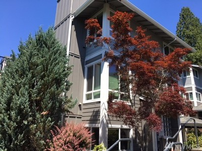 Bothell Condo/Townhouse For Sale: 3927 243rd Place SE #I-102