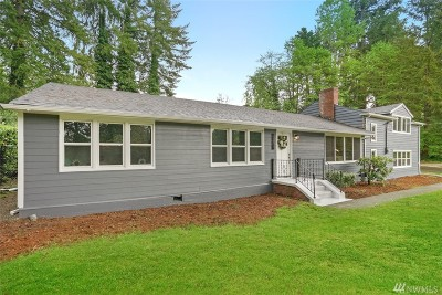 Lakewood Single Family Home For Sale: 12415 Nyanza Rd SW