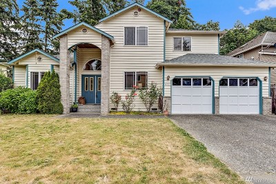 Shoreline Single Family Home For Sale: 622 N 203rd Ct