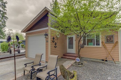 Single Family Home For Sale: 111 E Driftwood Cir
