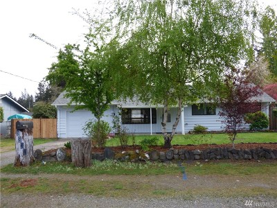 Lakewood Single Family Home For Sale: 9832 121st St SW