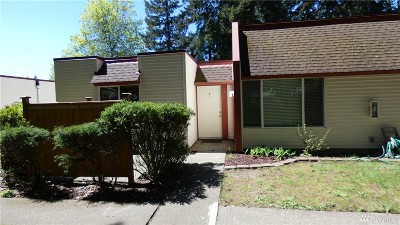Renton Condo/Townhouse For Sale: 14600 SE 176th St #Q-4