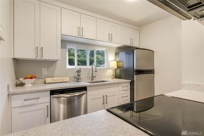 Bellevue Condo/Townhouse For Sale: 3021 127th Place SE #K22