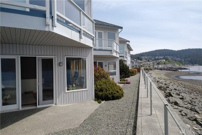 Anacortes Condo/Townhouse Sold: 2401 Skyline Wy #102E