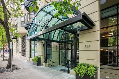 Condo/Townhouse For Sale: 425 Vine St #402