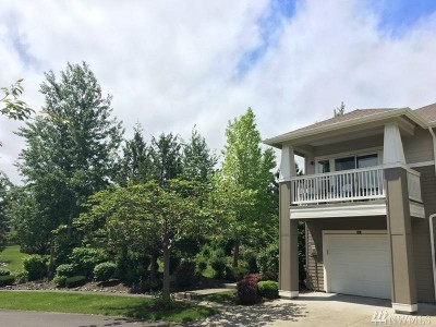 North Bend, Snoqualmie Condo/Townhouse For Sale: 7705 SE Fairway Ave #204