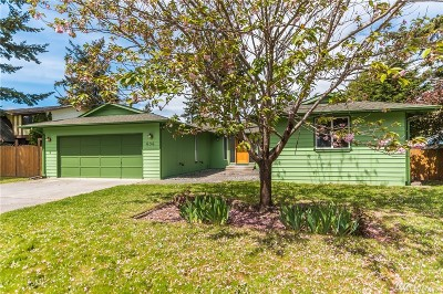 Oak Harbor Single Family Home For Sale: 636 NW 3rd Ave