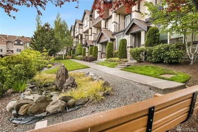 Normandy Park Condo/Townhouse For Sale: 19439 1st Ave S #E2