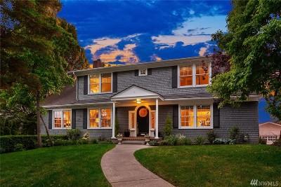Seattle Single Family Home For Sale: 3315 E Laurelhurst Dr NE