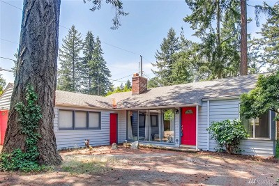 Lakewood Single Family Home For Sale: 12600 Nyanza Rd SW