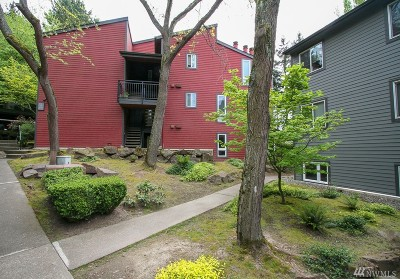 Kirkland Condo/Townhouse For Sale: 12010 98th Ave NE #103