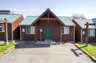 Oak Harbor Multi Family Home For Sale: 475 SE Barrington Dr #A-F