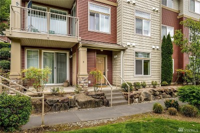 SeaTac Condo/Townhouse For Sale: 21507 42nd Ave S #M8