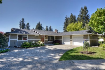 Single Family Home For Sale: 6811 Goldcreek Dr SW